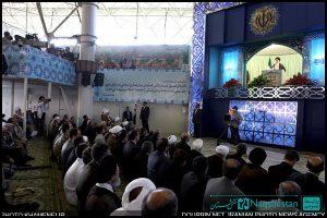 طراحی و ساخت دکور جایگاه سخنرانی رهبر در عید فطر 90